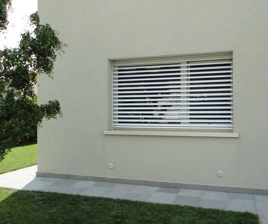 Euroinfissi progettazione frangisole pensiline cancelli - Cancelli per porte finestre ...